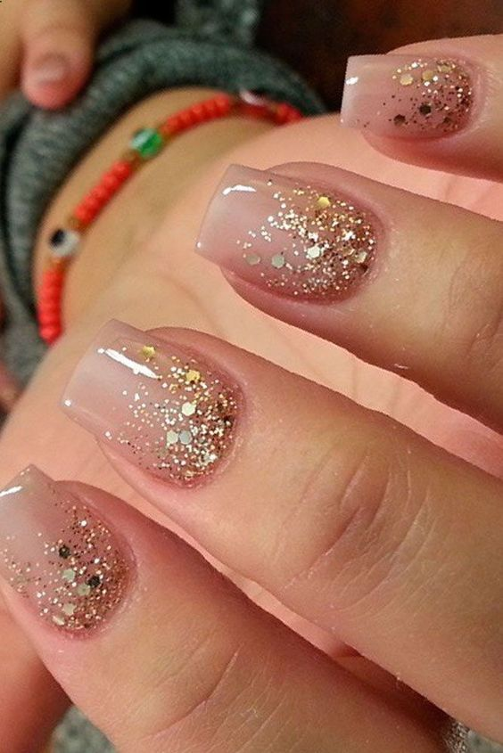 15 Best Christmas Nail Inspiration | Gold glitter nails, Pink .