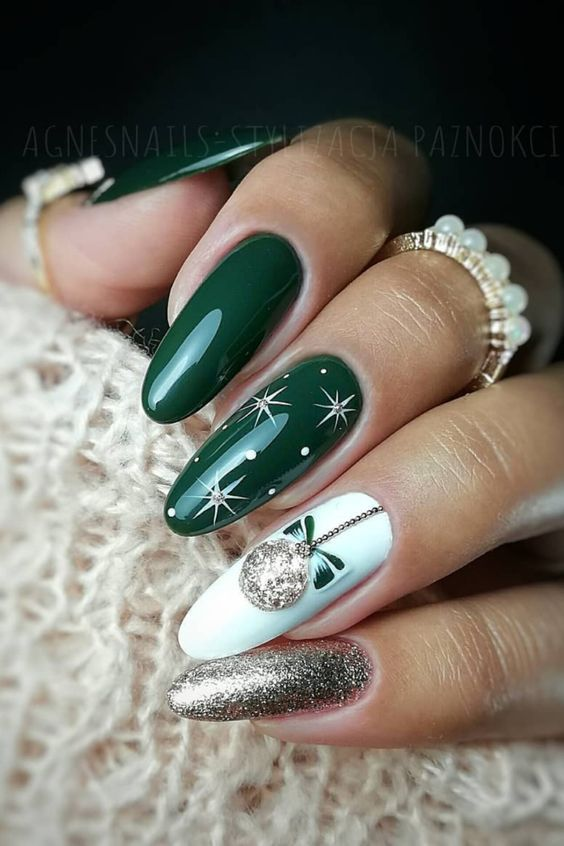 Here are the best Christmas acrylic nails designs, cute Christmas .