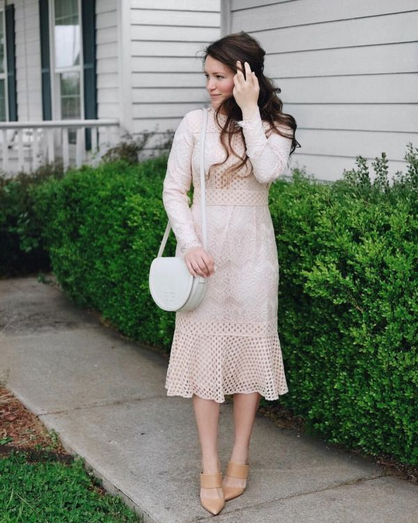 Best Courtney Toliver Style | Modest dresses, Cute dress outfits .