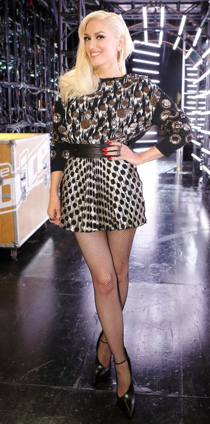 Gwen Stefani's Best Fashion Moments from Season 9 of The Voice .