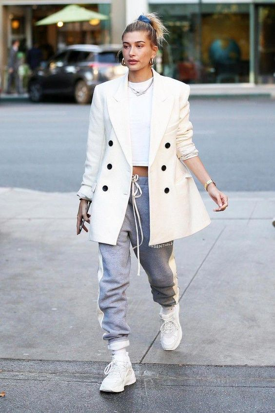 19 Of The Best Hailey Bieber Outfits — WOAHSTY