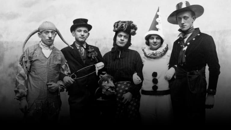 Halloween Costumes Through the Decades: Photos - HISTO