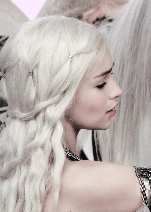 Daenerys Hair Detail. It's not a braided hairstyle but Daenerys .