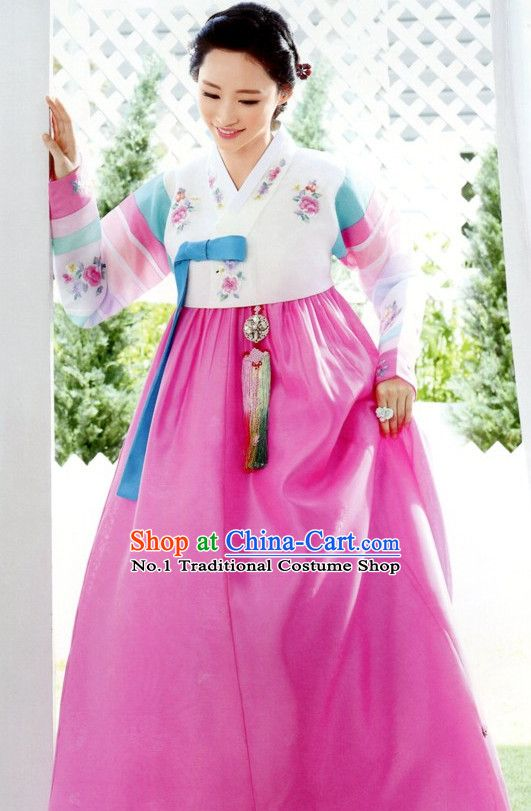 Best Korean Traditional Clothes in 2020 | Traditional outfits .