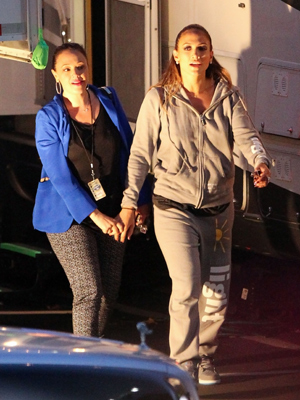Jennifer Lopez Pictures, Leah Remini Pictur