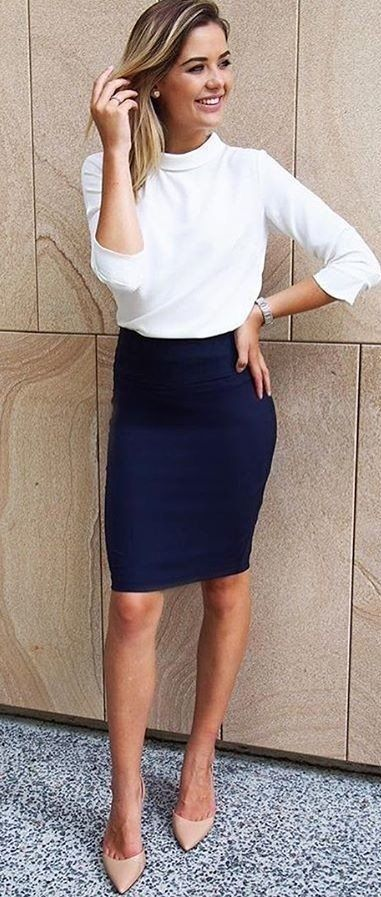 Navy pencil skirt with white top. | Work outfits women, Classy .