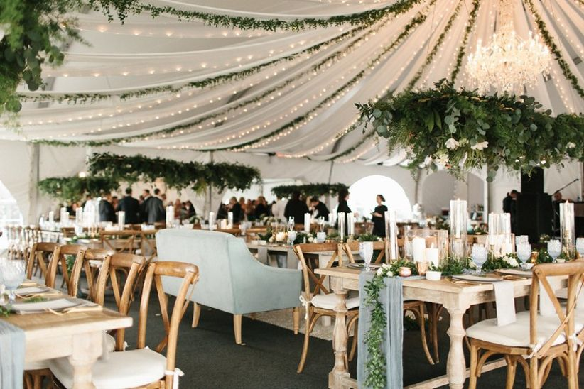 20 Romantic Wedding Lighting Ideas to Make You Swoon - WeddingWi
