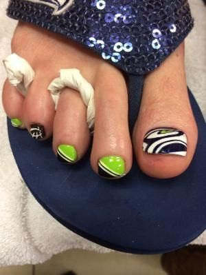 10 best images about Seahawk Nail Designs on Pinterest | Pedicures .