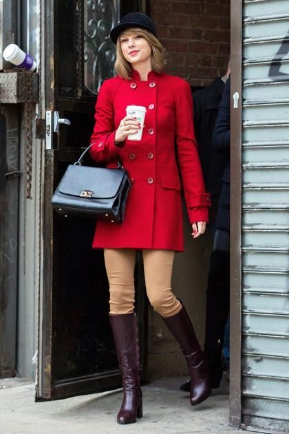 Somehow Taylor Swift's Street-Style Game Just Keeps Getting Better .