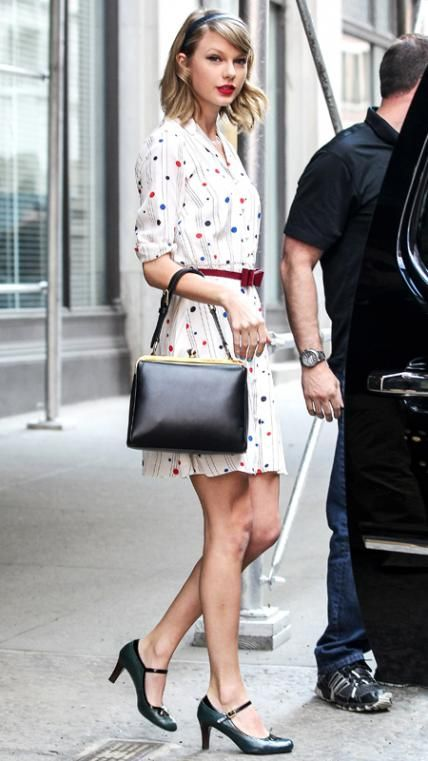 Taylor Swift's Best Street Style Looks | Taylor swift street style .