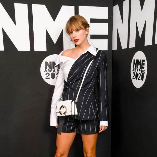 Taylor Swift's Style File - Taylor Swift's Country Glam Outfi