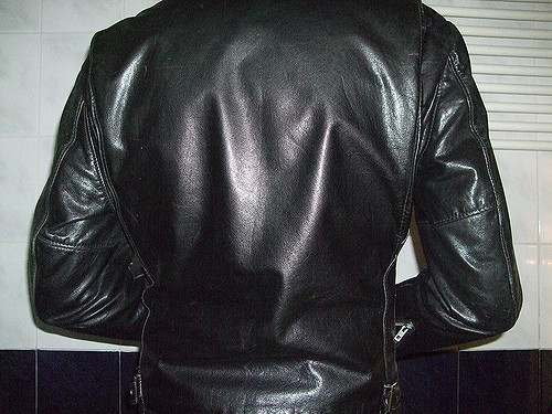 Can I wear leather during the summer? | Leathercult.c