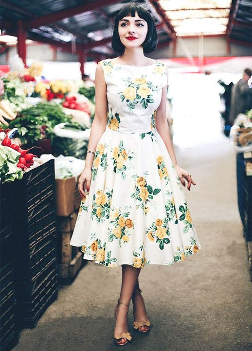 Best Ways How to Wear Floral Prints in 2020 | Pretty dresses .