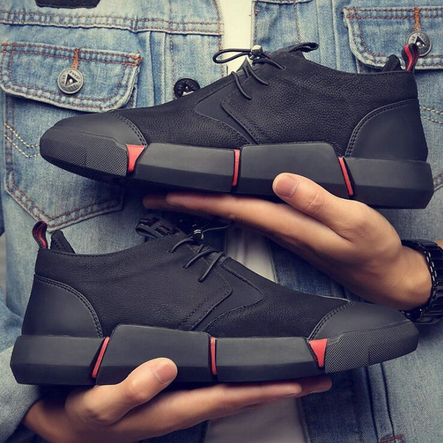 Brand High quality all Black Men's leather casual shoes Fashion .