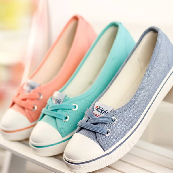 New Spring Summer Flat Canvas Casual Shoes Breathable New Design Wom