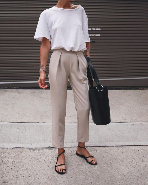 vintage inspired outfit | streetwear | outfit inspiration .