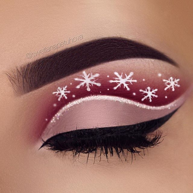 Another christmas inspired eye make up Brows .