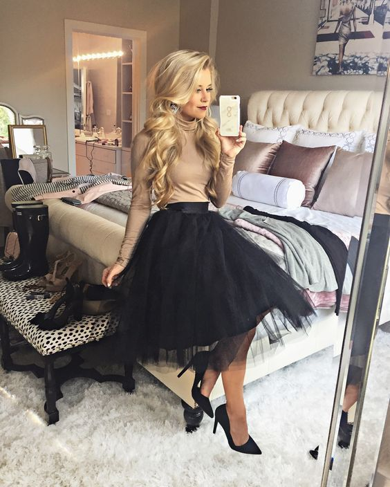Christmas Party Idea! Tulle Skirt Outfit. TheChicFind.com | Tulle .