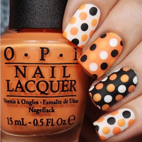 40 Frightening and Fun Halloween Nail Art Designs You Can Do .