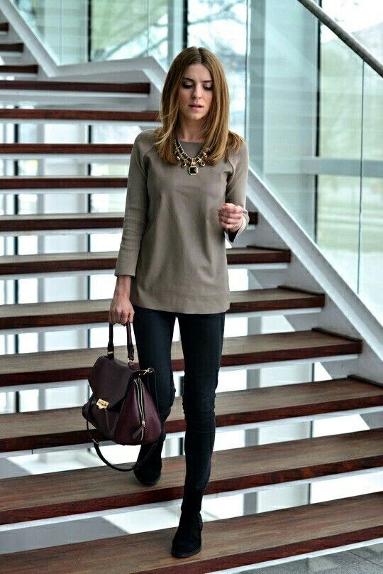 Love!! So simple and cool! Blacks slacks with the neutral looser .