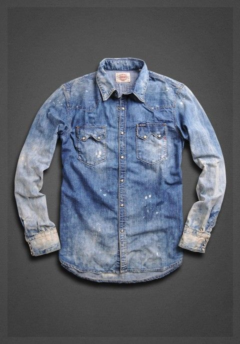 Denim shirt with double pockets with tarnishing and application on .