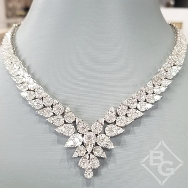 Simon G. 18K White Gold Graduating Pear shaped Diamond Neckla