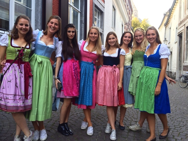 When in Munich: All About Oktoberfest Foods & Clothi