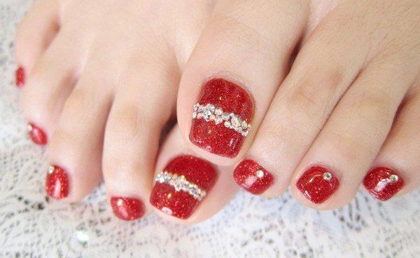 30 Best and Easy Christmas Toe Nail Designs (con imágenes) | Uñas .