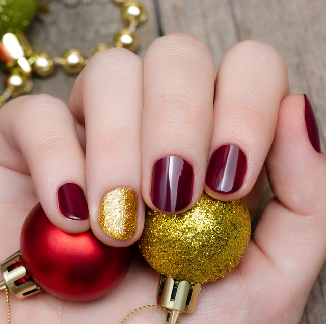 30 Christmas Nail Art Design Ideas 2020 - Easy Holiday Manicur