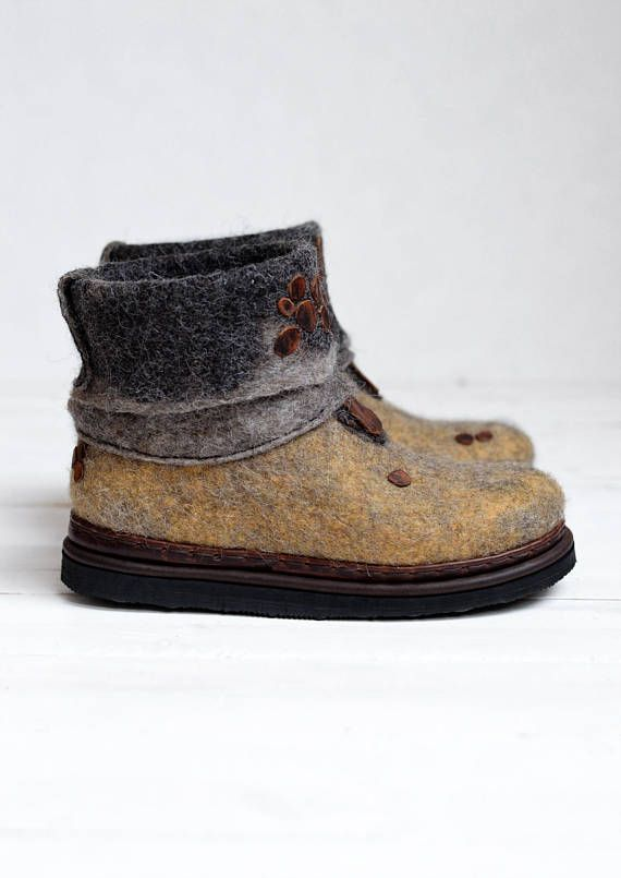 Felted shoes- Ankle wool boots- Woman wool shoes- Felted boots .