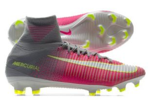 Football boots for women in 2020 | Nike football boots, Football .