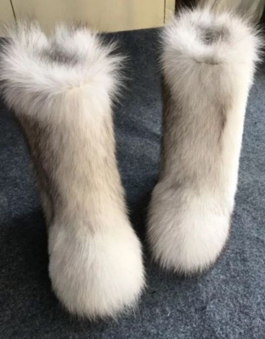 Fur boots for ladies