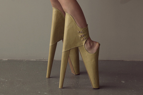 """Sky-High """"Front Heels"""" Teeter on the Edge of Fashion 