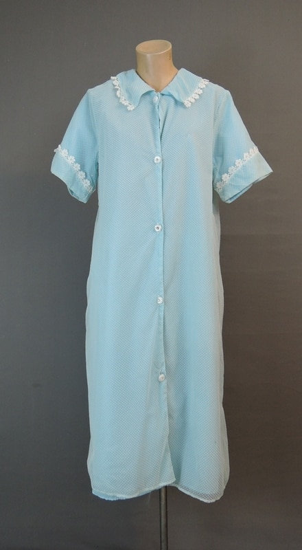 Vintage 1960s Blue Dotted Swiss Robe, Housecoat, 38 bust .