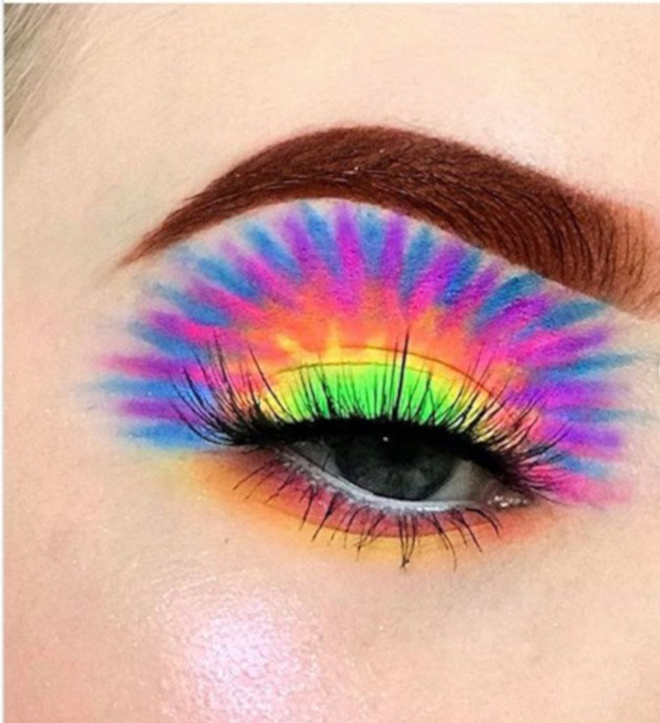 Tie-Dye Makeup is The Latest Instagram Beauty Trend | Fashionisers