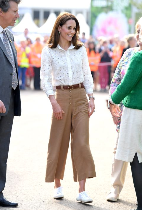 Kate Middleton & Meghan Markle Summer Outfits - Royal Style .