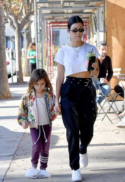 pants, crop tops, black and white, sneakers, kourtney kardashian .