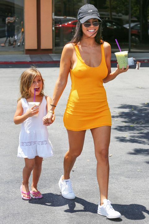 Kourtney Kardashian Style - Kourtney Kardashian Fashion Phot