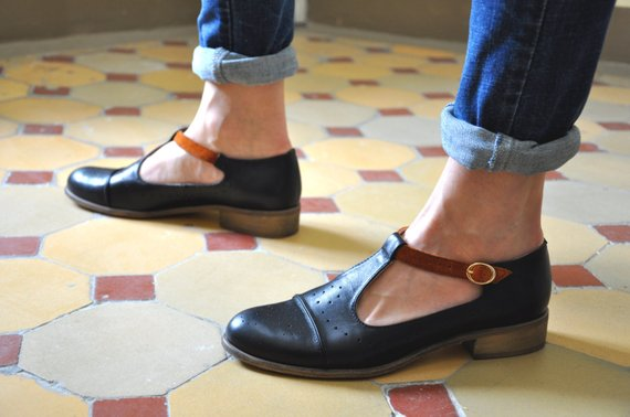 Mary Jane pumps for women