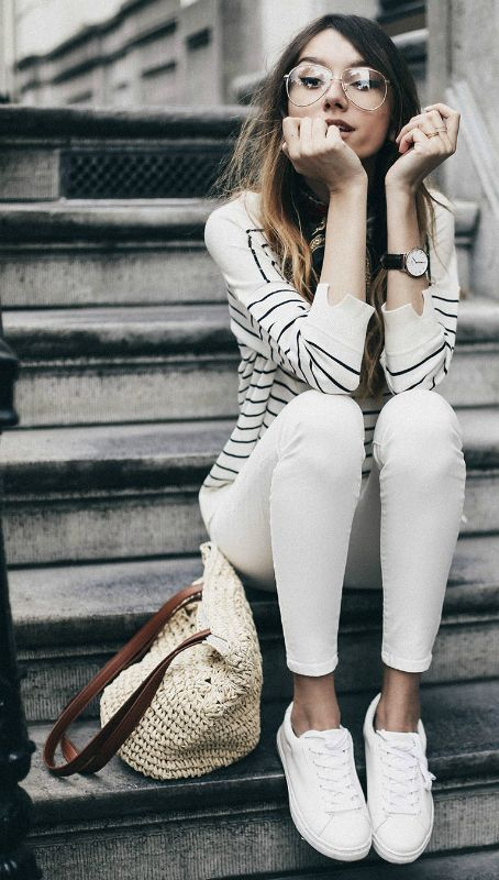 Style Tips On What To Wear With White Jeans - The White Jeans .