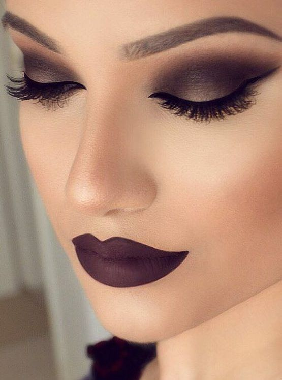 Bring back simple elegance with matte makeup | Smokey eye makeup .