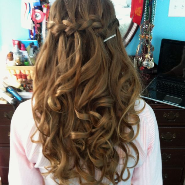 Waterfall Braid for Prom Night - Hairstyles Weekly | Hair styles .