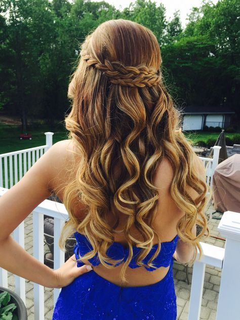 22 Perfect Prom Hairstyles For A Head Turning Effect In The Party .