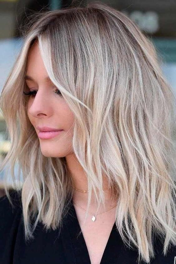 24 Most Trending Medium Haircuts for Women 2019 - Page 6 of 24 .