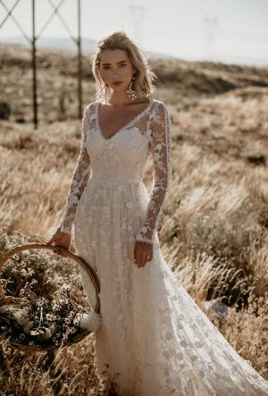 Shop Unique Bohemian Wedding Dresses | Dreamers and Love