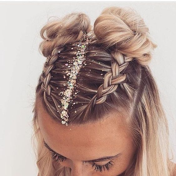 Smart Hair Style For New Year Eve