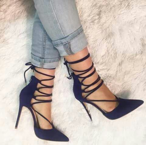Strappy pumps for women