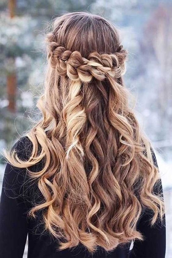Simplest and stylish hairstyles for the holiday season | Frisuren .