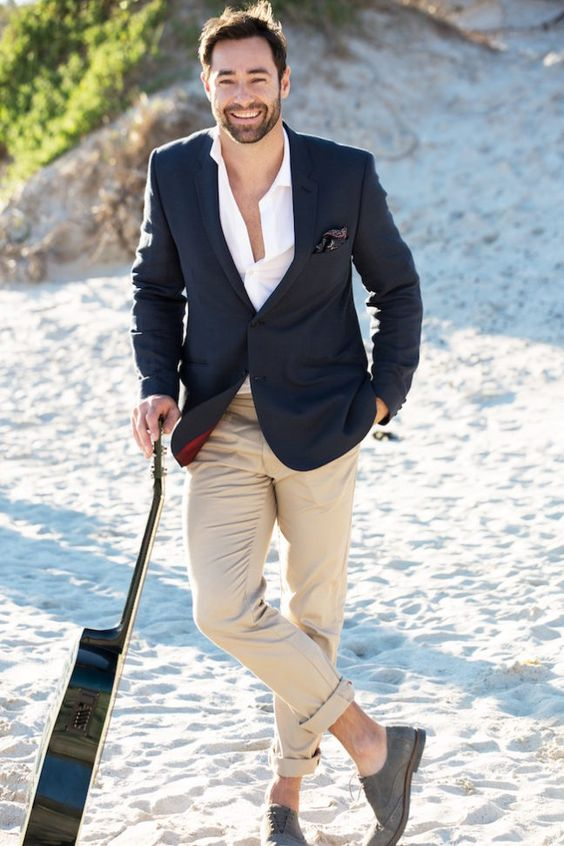 60 Cool Beach Wedding Groom Attire Ideas - Weddingoman