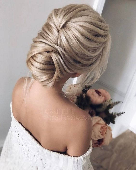 11 Sweet Trendy Hairdo For Christmas Awesome and Attractive in .